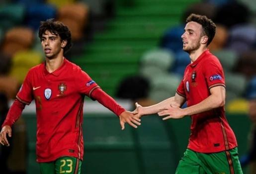 Jota: Bồ Đào Nha chẳng thấy áp lực gì phải thay thế Ronaldo