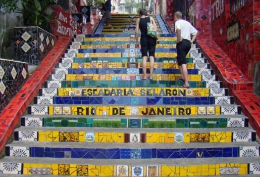 Đại sứ quán Pháp khuyên mang sẵn tiền đến Rio để ... nộp cho cướp