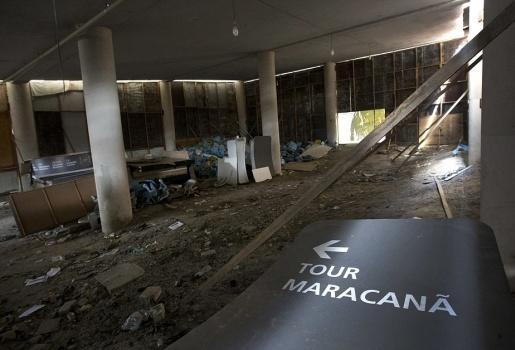 'Thánh địa' Maracana hoang tàn sau Olympic 2016