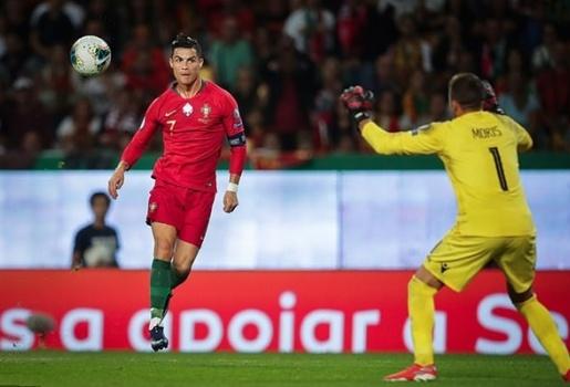 Ronaldo lập siêu phẩm, Bồ Đào Nha vùi dập Luxembourg trên sân nhà