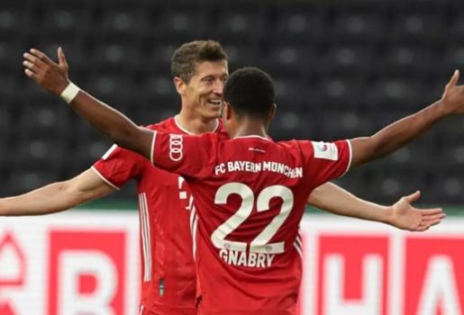 Lewandowski khủng chẳng kém Ronaldo hay Messi, vượt mốc 50 bàn thắng cho Bayern