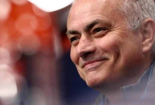 Truyền thông Anh khẳng định, khẩu pháo của Mourinho vẫn hạnh phúc