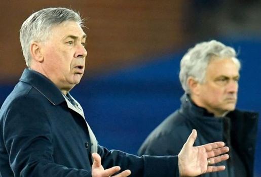 Hòa 2-2, Mourinho nghe thấy Ancelotti phàn nàn 1 sao Everton