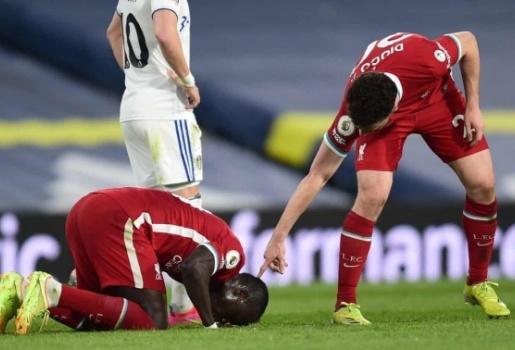5 điểm nhấn Leeds United 1-1 Liverpool: Mane bớt nặng, hoan hô Bielsa