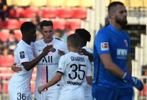 PSG thắng nhẹ Augsburg