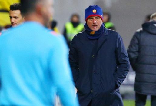 Mourinho: AS Roma chỉ có 13 cầu thủ cho đội một