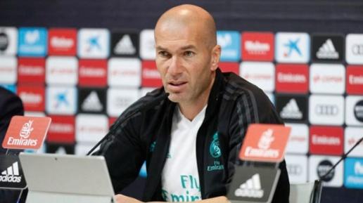 Zidane tiết lộ thời điểm Real đàm phán gia hạn cùng Ronaldo - Bóng Đá