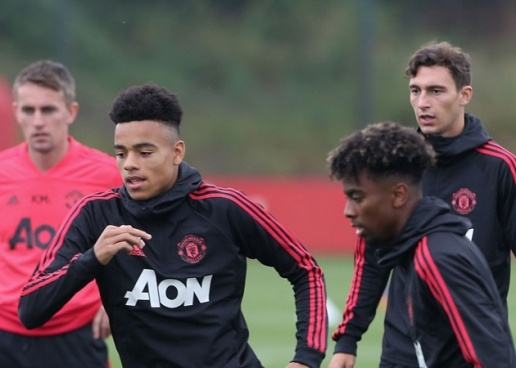 Man Utd mang 8 sao mai học viện đến đất Pháp: Khi người ta trẻ... - Bóng Đá