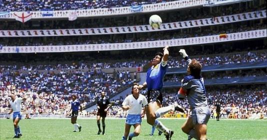 TIN BUỒN! Huyền thoại Diego Maradona qua đời ở tuổi 60 | Bóng Đá