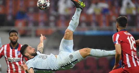 Giroud nói gì sau khi ngả bàn đèn hạ gục Atletico Madrid? | Bóng Đá