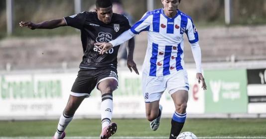 Văn Hậu chưa đá trận nào, Hà Nội còn mất tiền tấn cho Heerenveen | Bóng Đá