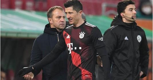 Đã rõ lý do Lewandowski bị thay ra sớm ở trận gặp Augsburg | Bóng Đá