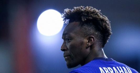 Bỏ quên Abraham, Chelsea đang lặp lại sai lầm tương tự Romelu Lukaku | Bóng Đá