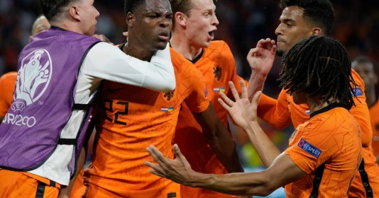 Vì sao Hà Lan là đội bóng kỳ lạ nhất ở EURO?   Bóng Đá