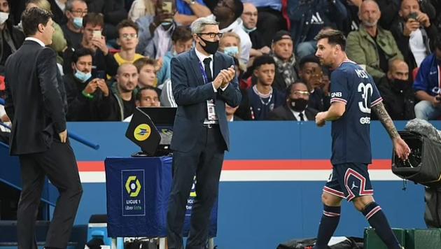 SỐC với phản ứng của Messi khi bị thay ra - Bóng Đá