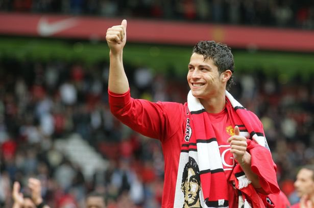 Juventus have just received an OFFICIAL bid from Manchester United for Cristiano Ronaldo - Bóng Đá