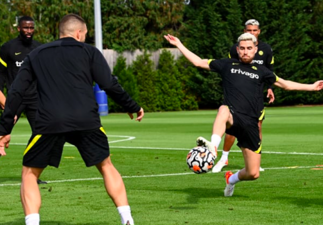 Siêu chiến binh trở lại, trò cưng Lampard phô diễn kỹ thuật trên sân tập Chelsea - Bóng Đá