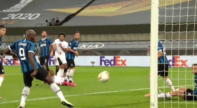 Thủ thành Inter bênh Lukaku sau bàn phản lưới nhà tai hại   Bóng Đá